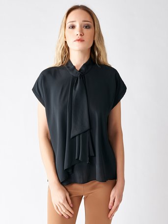 Blusa con Colletto Cravatta Nero - CFC0095269003B001