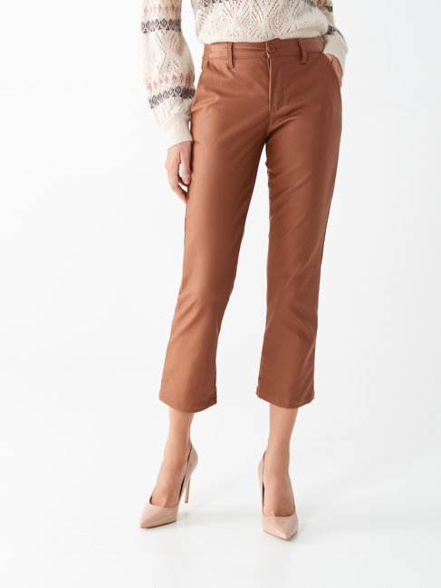 Cropped trousers in faux leather brown tabacco - CFC0100820003B376
